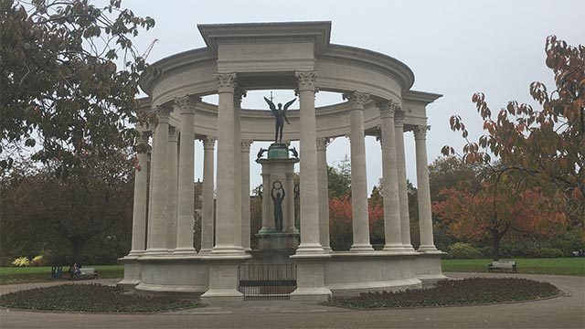picture of the Welsh National War Memorial in Cathays Park