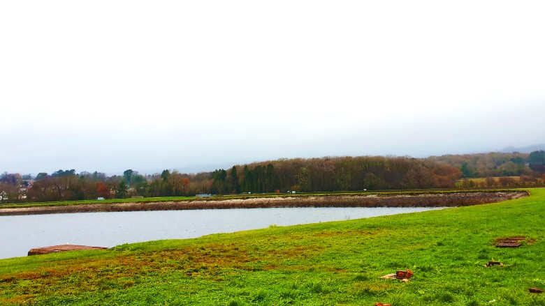 llanishen reservoir in cardiff with water